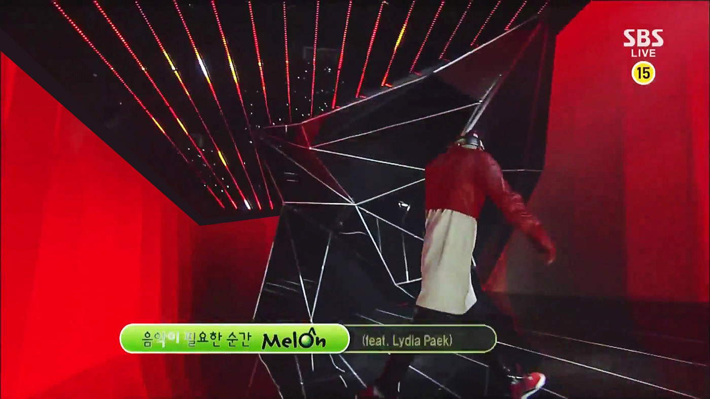 G-DRAGON_1006_SBS Inkigayo_R.O.D(ft. Lydia Paek).mp4_000008698